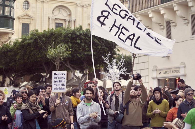 Les pays consomment du cannabis dans le monde entier montant légalisation de l'argent